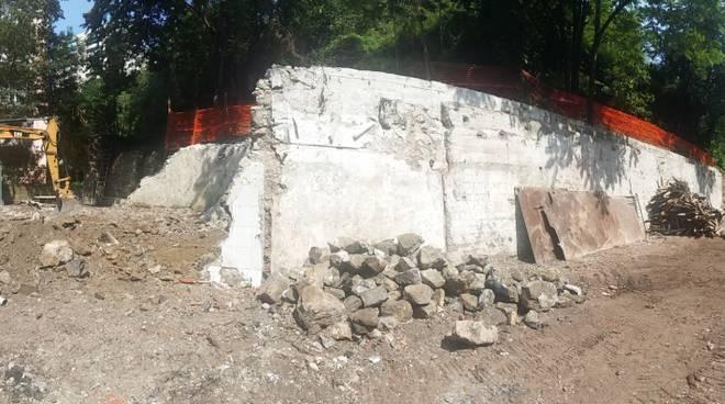 Demolizione via Ferregiano