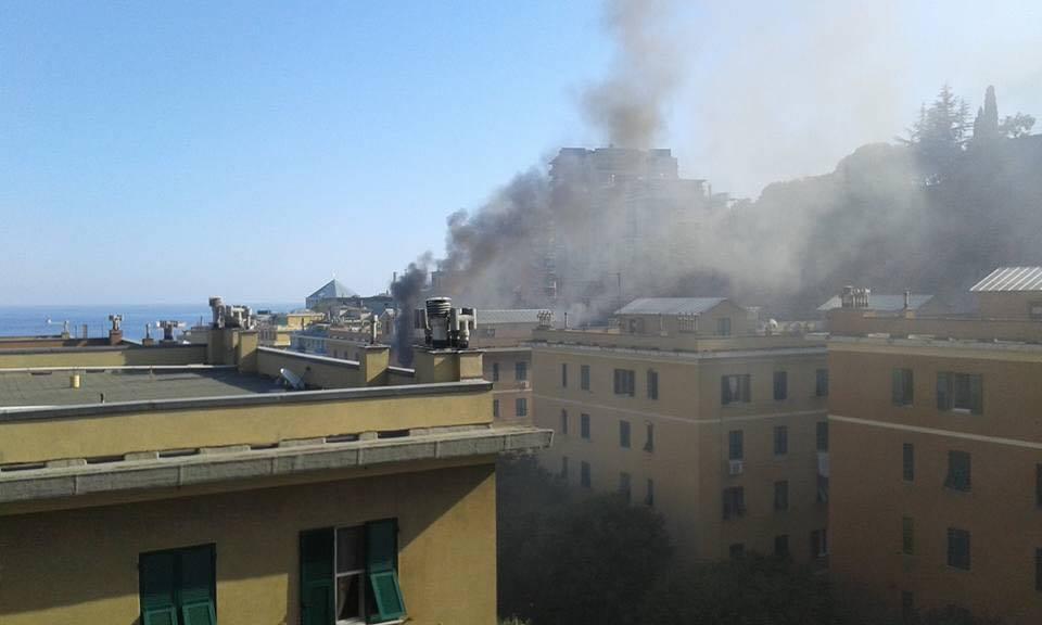 incendio via bologna (foto arturo benvenuti)