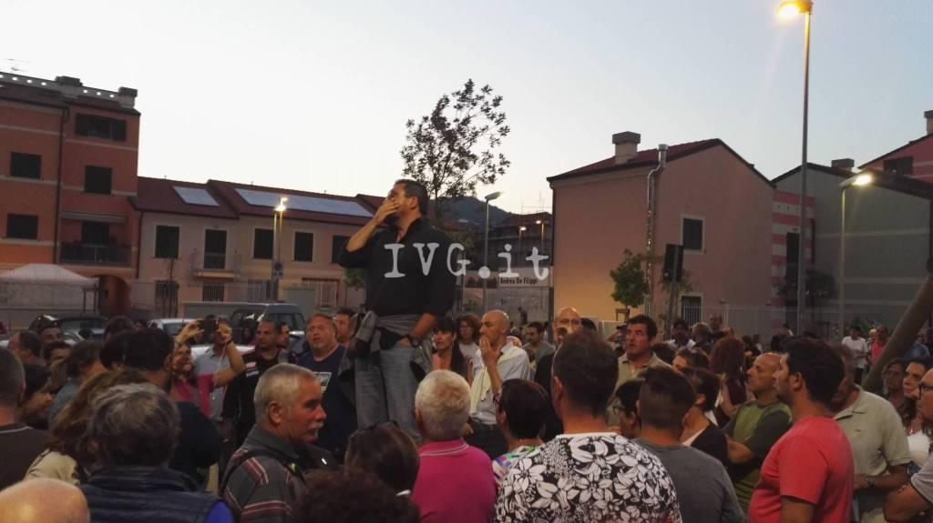 legino protesta migranti campo profughi