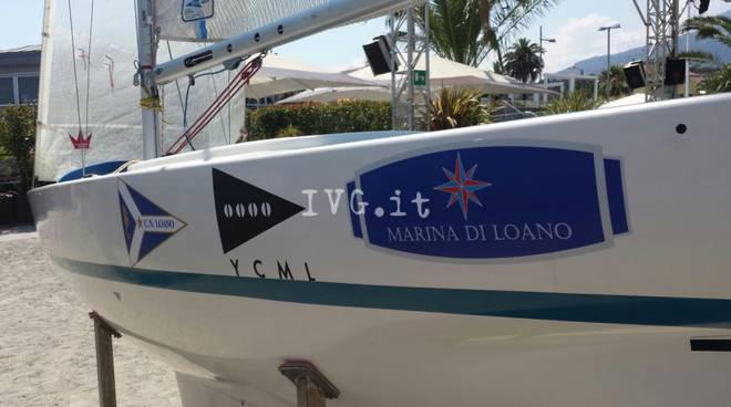 Loano, presentazione della barca a vela per disabili
