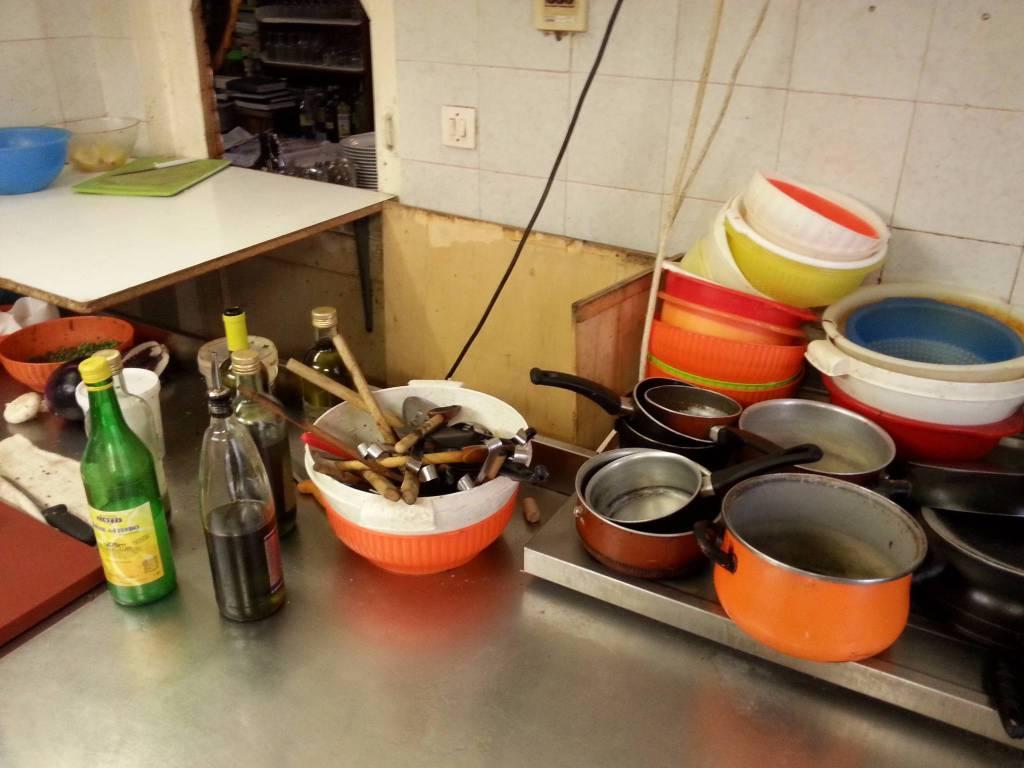 ristorante boccadasse pesce con muffe e larve