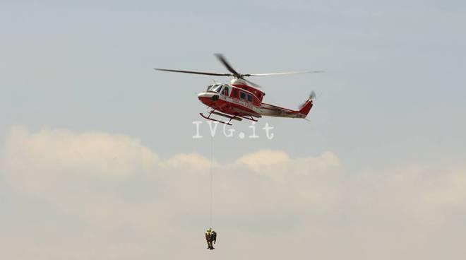 Schiacciato da un trattore ad Albenga, in elicottero al pronto soccorso