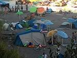 Campeggio abusivo alla spiaggia dell'Arrestra a Varazze
