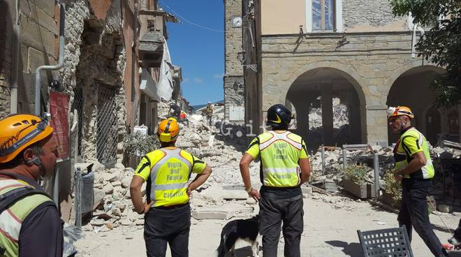 Dalla Liguria ad Amatrice per trovare i dispersi