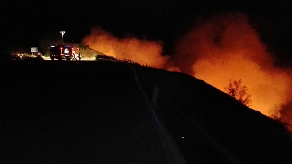 Incendio boschivo tra il monte Fasce e il Cordona