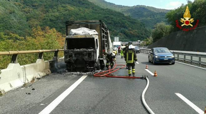 incendio a12 camion