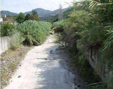 Pulizia dei corsi d'acqua a Sestri Levante, torrente Gromolo