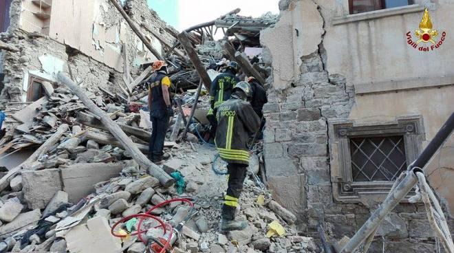 Terremoto, un sopravvissuto: