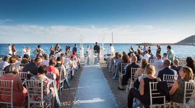 Matrimonio Spiaggia Alassio : Liguria i matrimoni come risorsa turistica ecco le