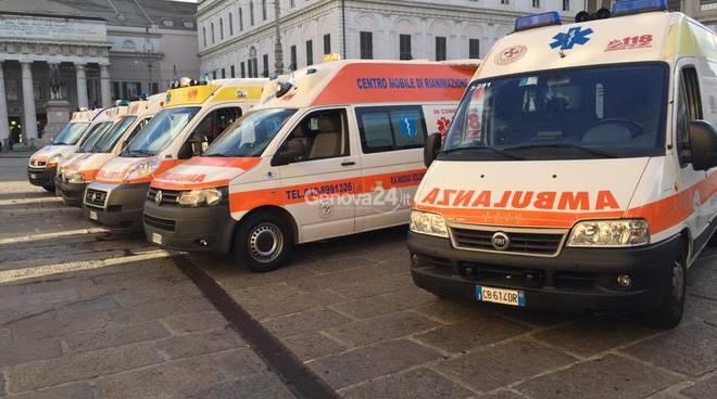 Ambulanze in corteo, la protesta della pubblica assistenza di San Fruttuoso