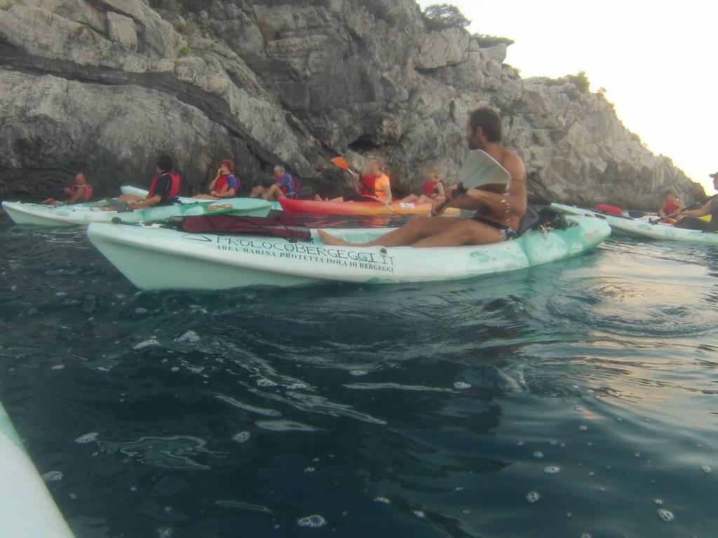 Escursioni guidate in canoa: COLORI E LUCI D\'AUTUNNO nell\'Area Marina Protetta Isola di Bergeggi