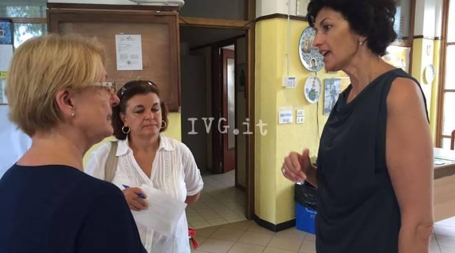 ilaria Caprioglio in visita nelle scuole