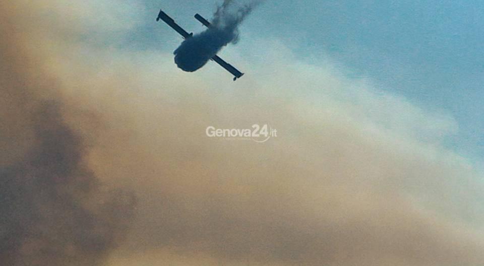 Incendio nei boschi di Novano