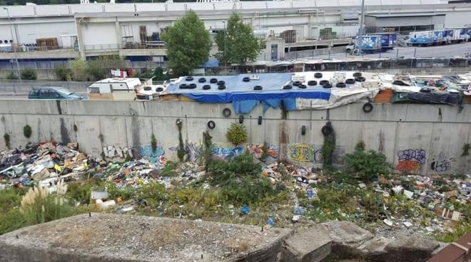 rifiuti polcevera campo rom abusivo bolzaneto