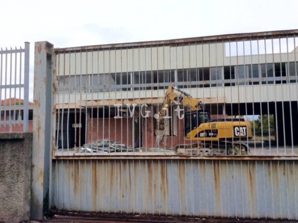 Al via la demolizione dell'ex Ortofrutticola di Albenga