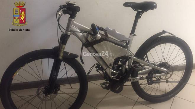 bicicletta scippatore