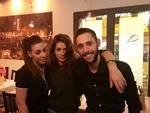 Giulia Michelini e la troupe a cena da Zio Pesce in Darsena