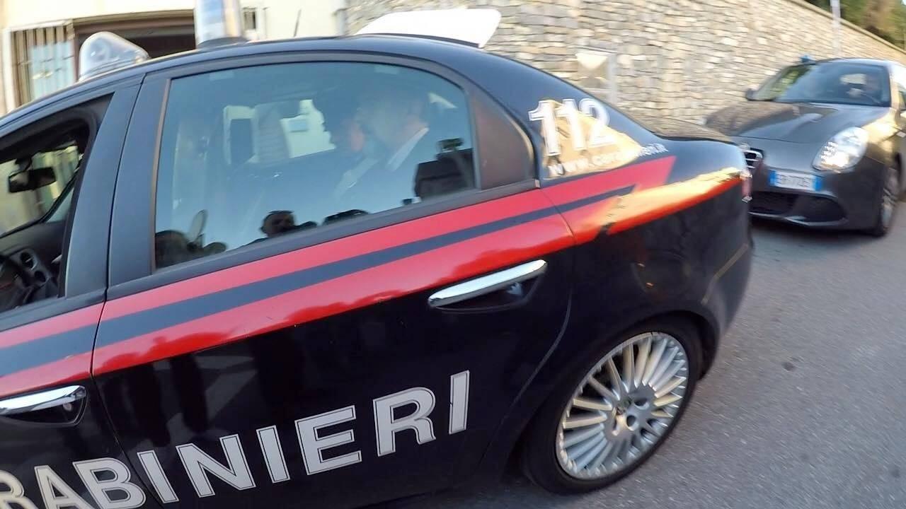 Claudio Borgarelli nella macchina dei carabinieri