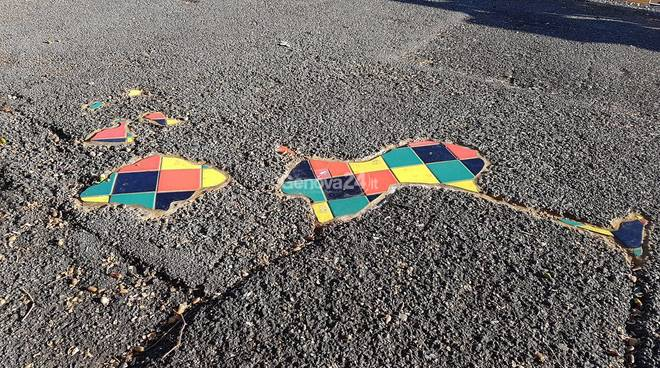 ememem via corsica street art