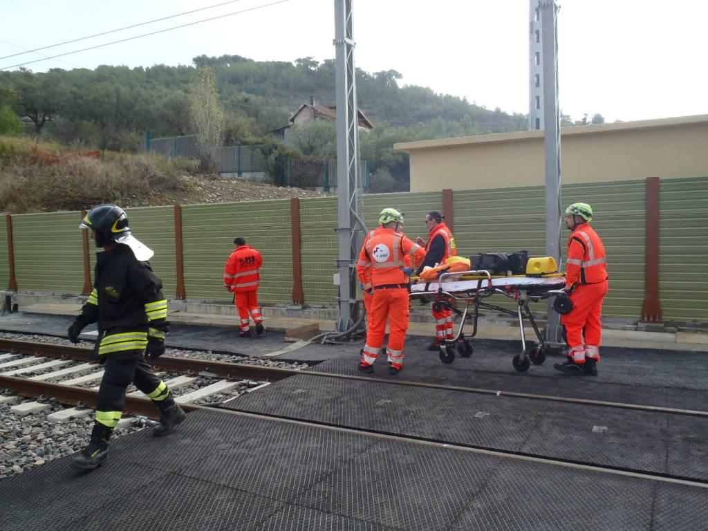 Esercitazione di emergenza nella galleria ferroviaria