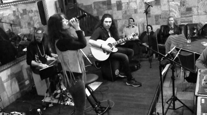 Giorgia Gueglio unplugged trio