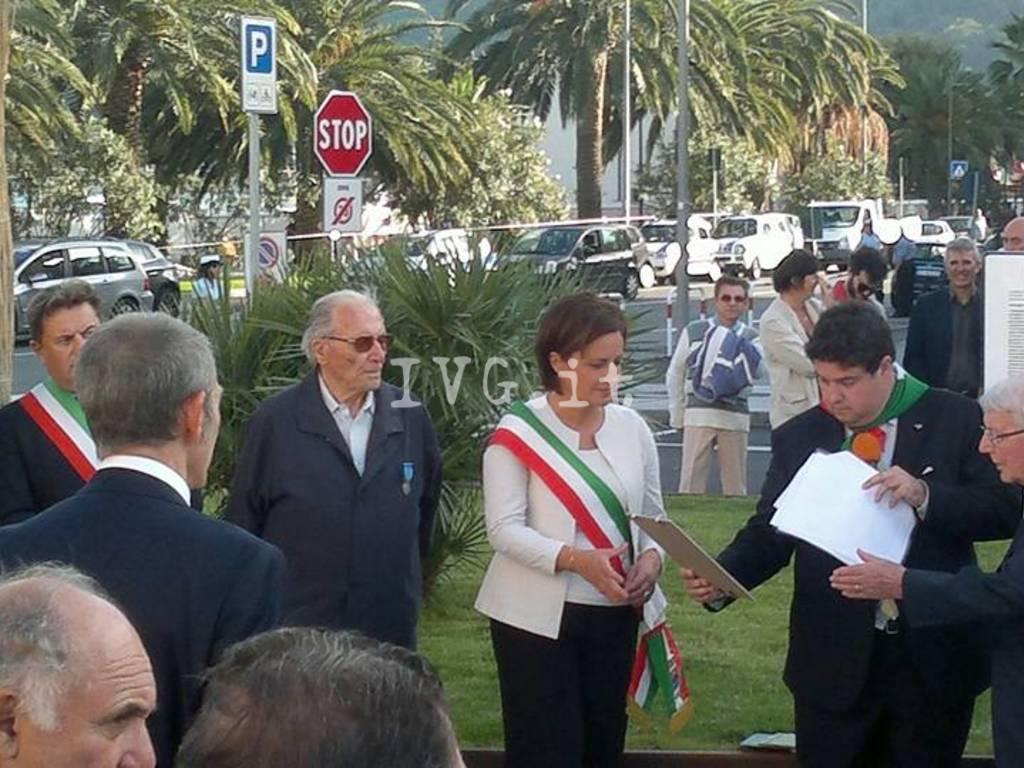 piazza corradini vado ligure