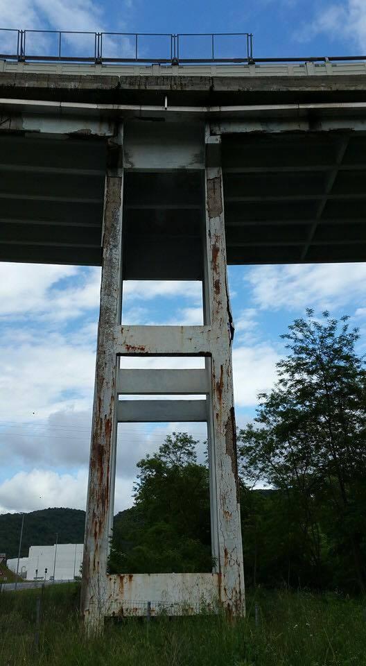 """Viadotto sulla A6, le immagini del """"degrado"""" dei piloni"""