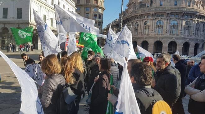 Protesta dei commercianti contro le ordinanze sulla movida
