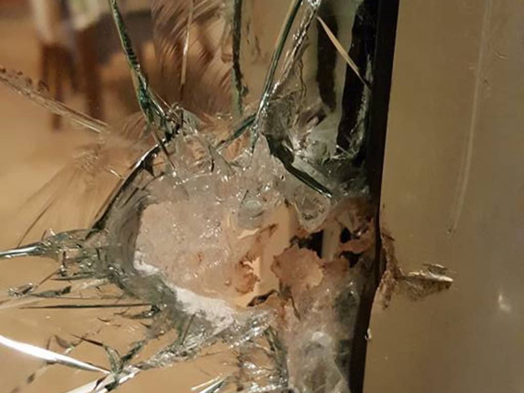 furto vetro sfondato