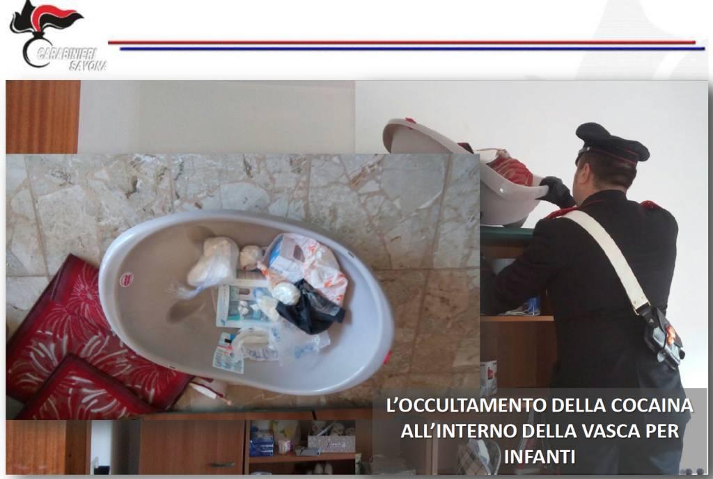 Loano, futura mamma beccata con coca e pistola