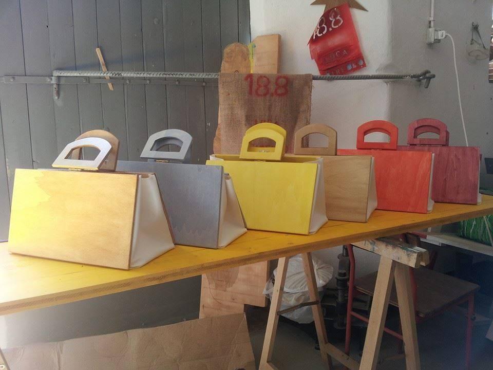 Pallets e vecchie tavole diventano oggetti per la casa il for Oggetti moderni per la casa