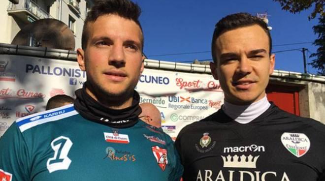 Massimo Vacchetto (a destra) con lo sfidante Federico Raviola