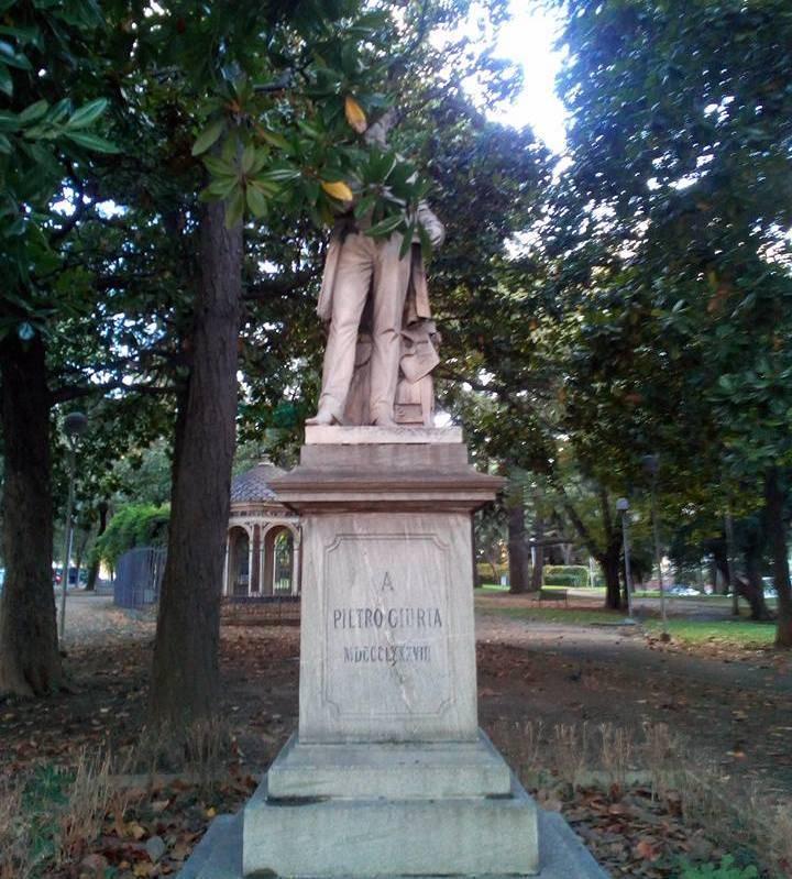 statua pietro giuria