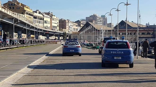 Centro storico parcheggia l 39 auto e viene sequestrato for Arredo bagno genova via gramsci