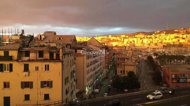 Nubi su Genova
