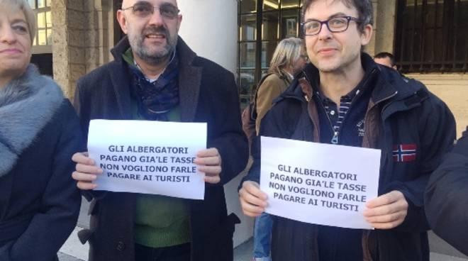 protesta tassa soggiorno