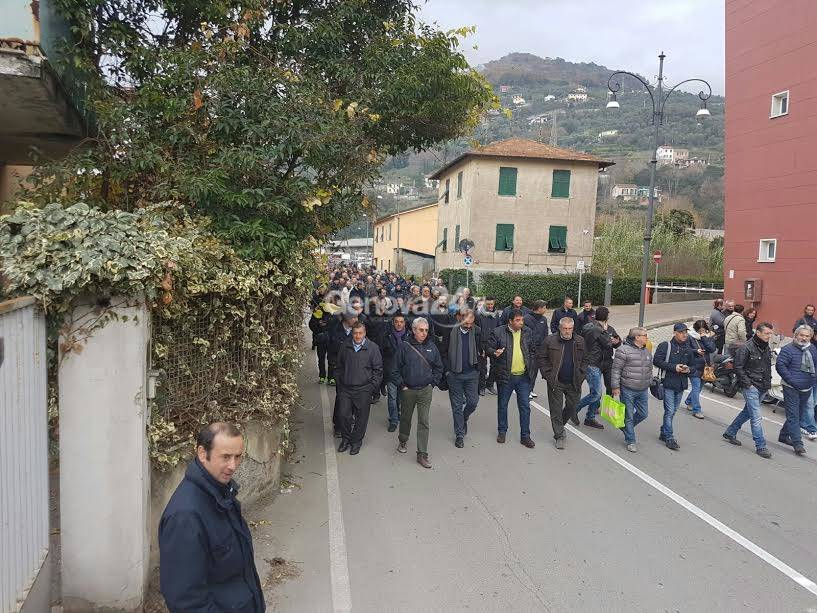 Sciopero e corteo Atp a Rapallo, bloccato il casello