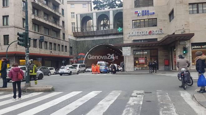Allarme bomba in piazza Dante