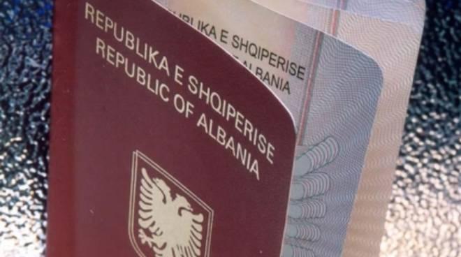 passaporto albanese