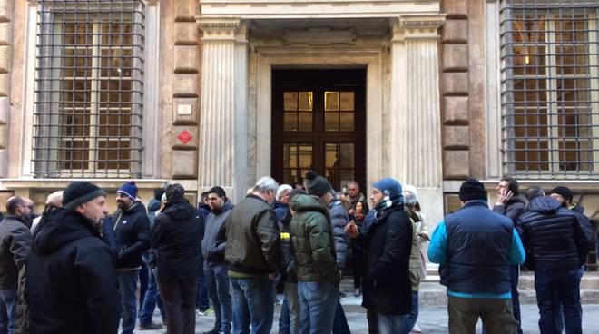 Pescherie chiuse per protesta