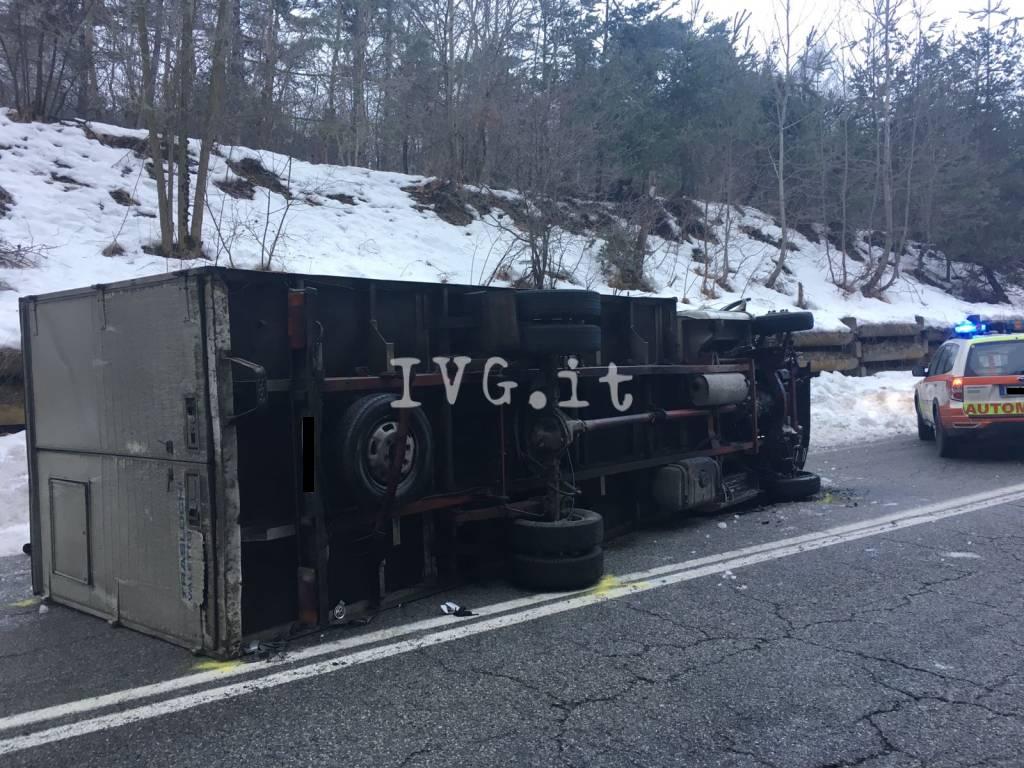 roccavignale incidente schianto ghiaccio