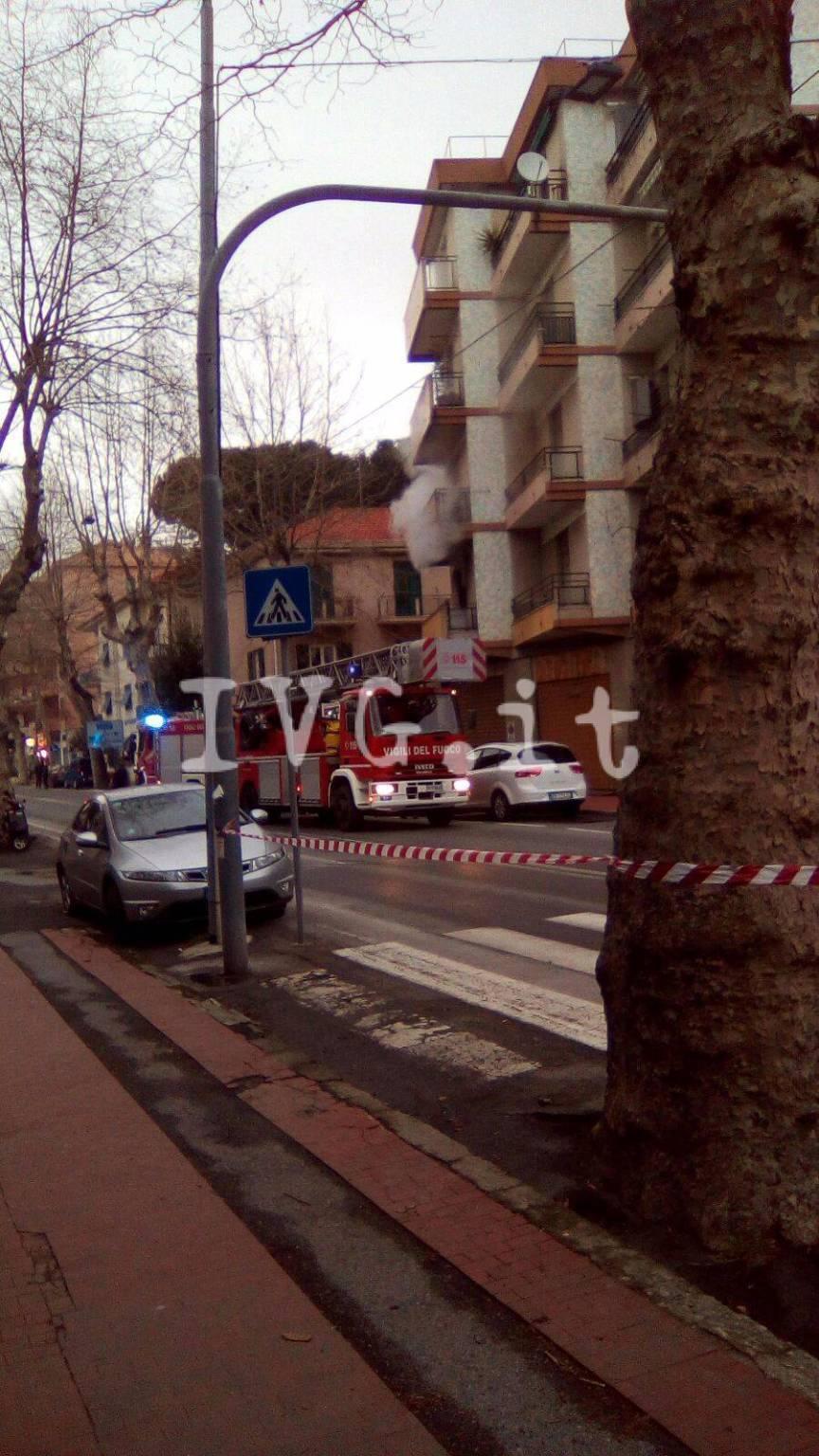 Albisola, a fuoco un appartamento in via San Pietro