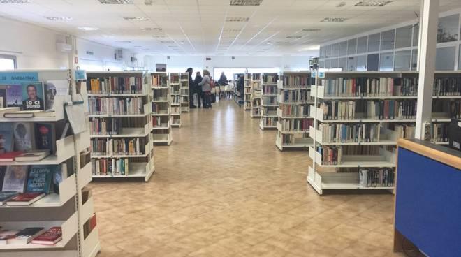 biblioteca benzi voltri