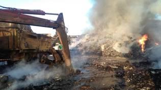 Incendio al deposito di rifiuti di Sarr a Cisano