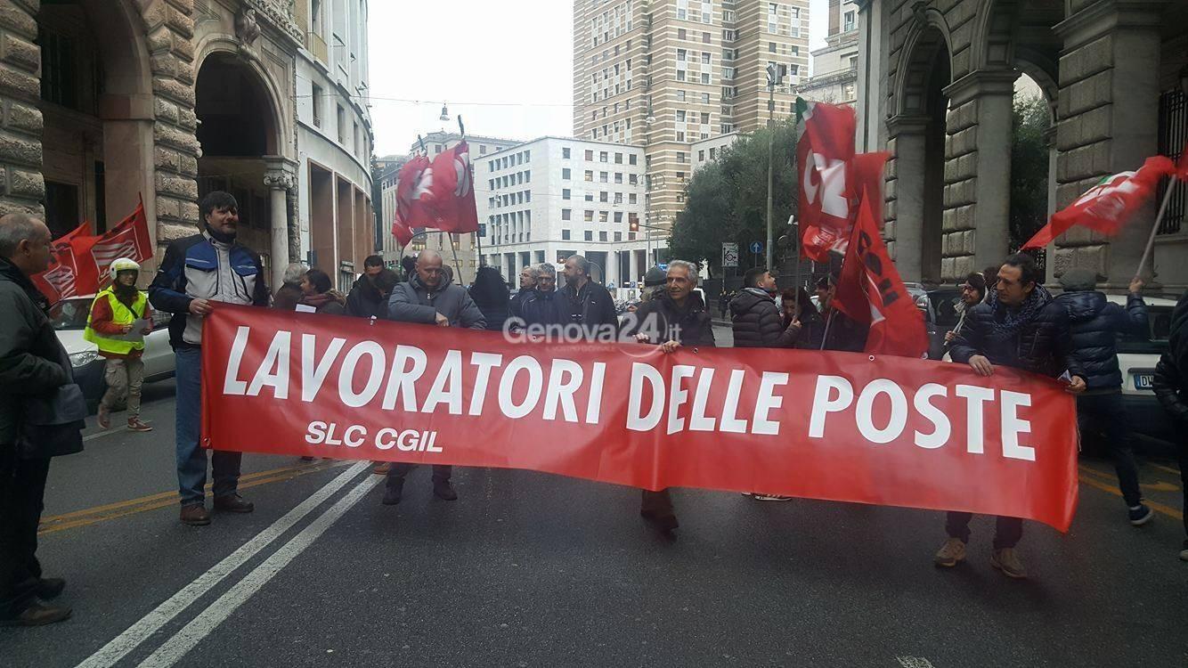 Poste, presidio dei lavoratori