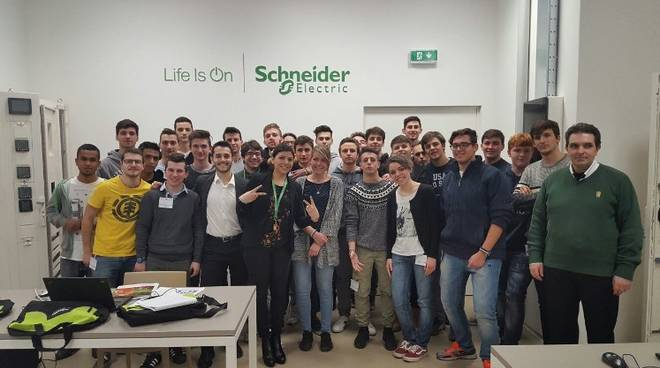 Schneider Electric studenti