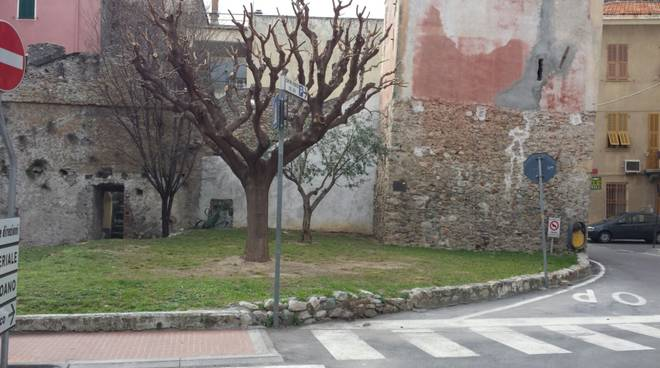 Borghetto Aiuola Piazza Indipendenza