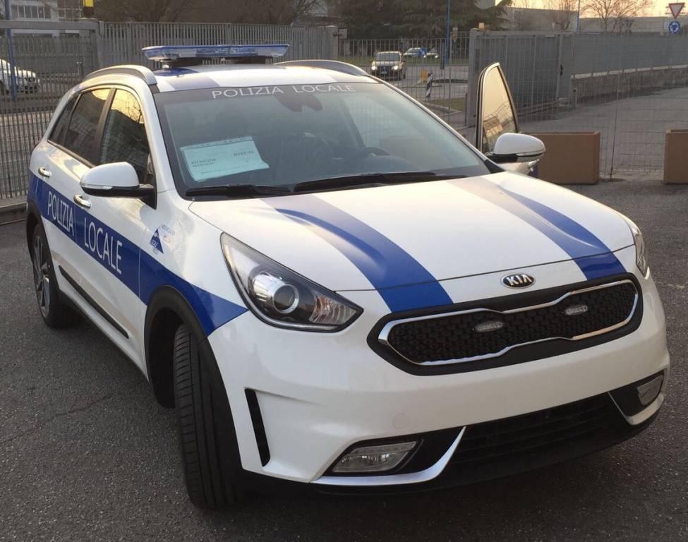 Auto ibrida polizia municipale Recco