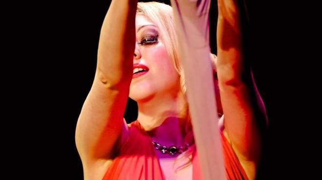 Burlesque in pista al Cezanne con Sherry Cat