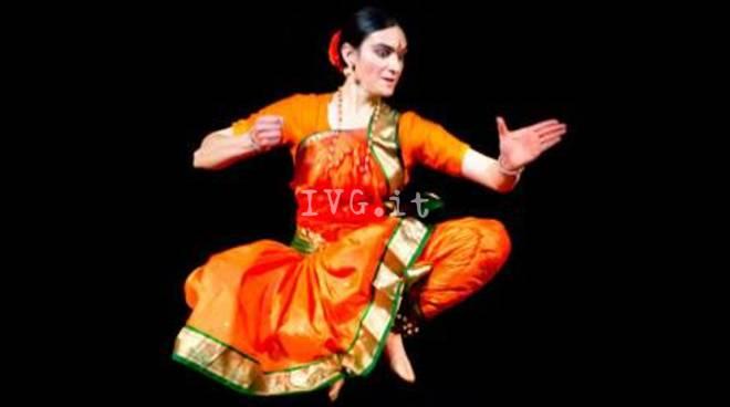 Sabato sera ai Cattivi Maestri: Sri Devi Madre divina, spettacolo di danza indiana, Atmananda